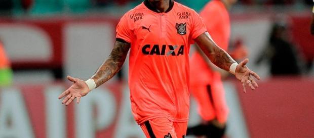 Com a camisa do Vitória, ele marcou 20 gols em 42 jogos.