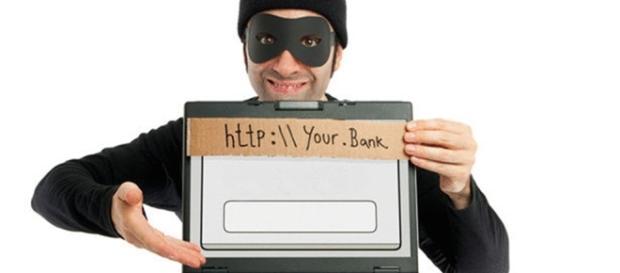 O mercado de microtransações e os crimes virtuais de pirataria. Fonte da imagem: http://ronymetafisico.blogspot.com.br/2014_12_01_archive.html