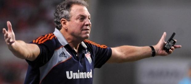 Para Abel, Conca deveria ser mais grato ao Fluminense antes de pensar em defender o Flamengo (Foto: Arquivo)