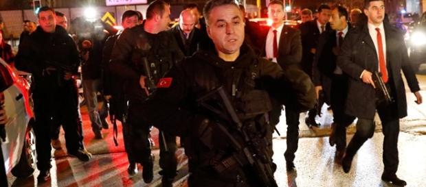 Russischer Botschafter in Türkei bei Attentat getötet - Live-Ticker - sputniknews.com
