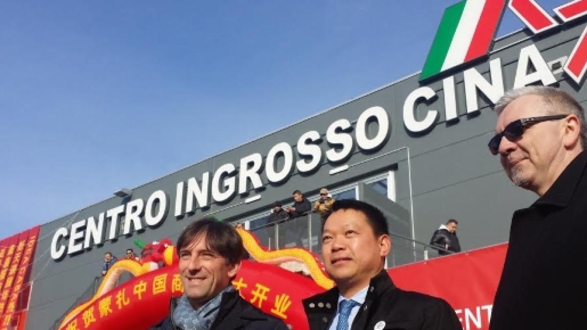 official photos 20f3f aa88d Aperto il Centro Ingrosso Cina più grande d'Europa: la ...