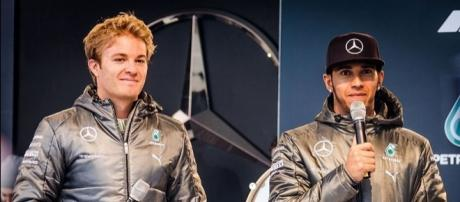 Rosberg and Hamilton: over, now. Picture by Thomas Ormston (Wikimedia Commons).