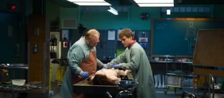 'The Autopsy of Jane Doe' movie trailer is a must-see for horror movie fans - filmsofeverycolour.com