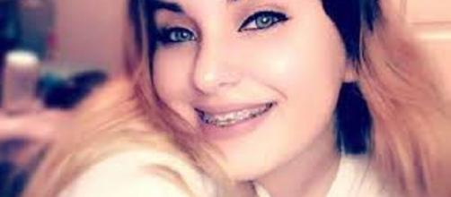 """18enne dal bellissimo volto si uccide perché considerata """"grassa"""" dai bulli"""