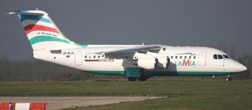 EI-RJV LAMIA British Aerospace Avro RJ85 Photo by Steven Mills ... - planespotters.net