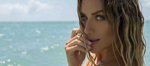 Giovanna Ewbank realiza ensaio fotográfico na Praia dos Carneiros, litoral pernambucano