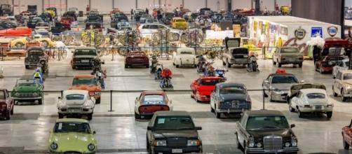 Non solo auto. Le 140 biciclette e 155 motociclette di Luigi Compiano hanno ora un nuovo proprietario