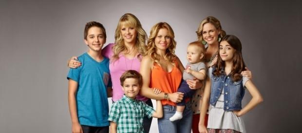 Fuller House Season 2 Trailer Has a Gibbler-Tanner Romance ... - eonline.com