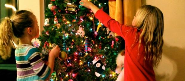 Kids at Christmas - Home Design Ideas - celfan.com