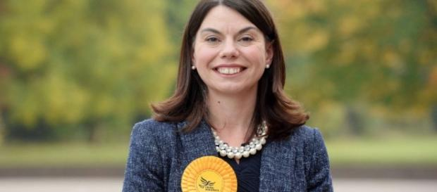 Lib Dem's Sarah Olney claims shock victory in Richmond Park by ... - yahoo.com