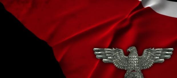 Roma, locandine naziste per il sì al referendum costituzionale