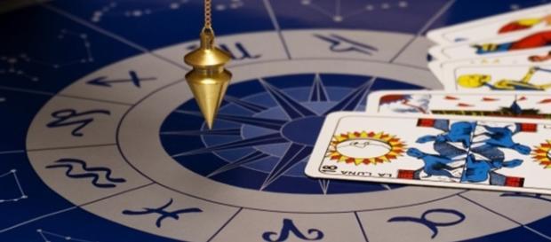 Românii cred în horoscop în proporție de peste 60%