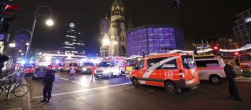 Berlín: 12 muertos y 48 heridos al arrollar un camión a multitud - com.ar