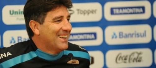 Renato Portaluppi renova com o Grêmio
