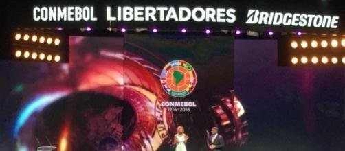 Grupos e primeiros jogos da Libertadores são definidos em sorteio no Paraguai