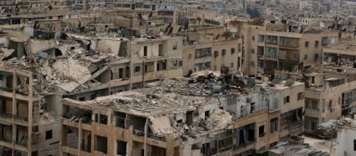 Veduta del centro urbano di Aleppo devastato dalla guerra