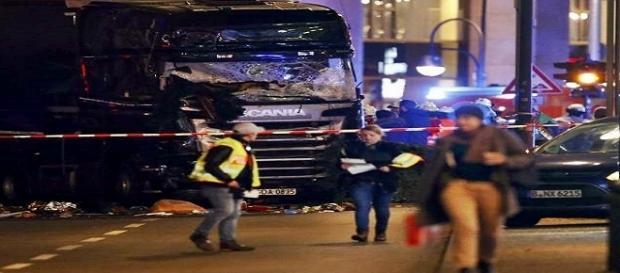 Atentado em Berlim deixa 12 mortos