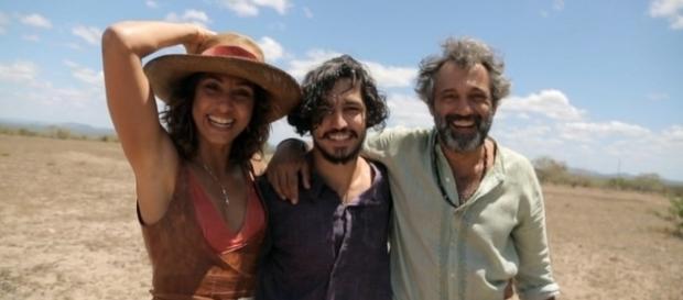 Camila Pitanga, Gabriel Leone e Domingos Montagner