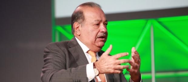 Donald Trump y Carlos Slim estrecharon las manos en un gesto de reconciliación en Florida