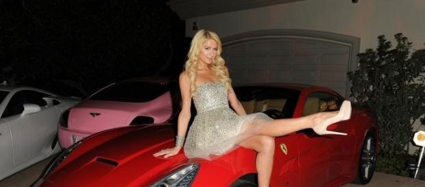 Paris Hilton Throws a Christmas Party - Pictures - zimbio.com