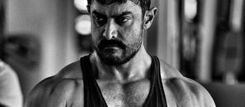 Check out Aamir Khan's Chiseled Look as Young Mahavir Phogat in ... - news18.com