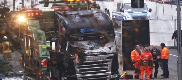 Atentatul din Berlin: șoferul era în viață în momentul producerii masacrului