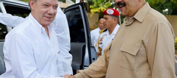 Venezuela e Colômbia anunciam reabertura de fronteira   VEJA.com - com.br