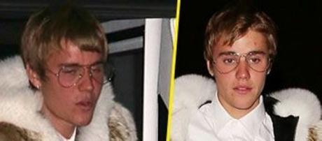Fourrure, boutons, lunettes, Justin Bieber inquiète