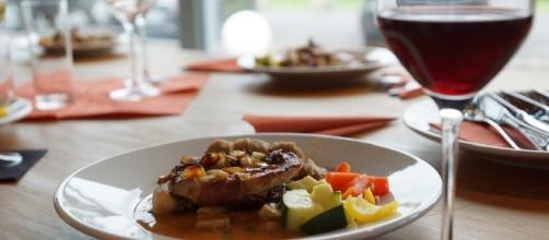Aprender a comer saludablemente fuera de casa por trabajo- Nutrición Ortomolecular