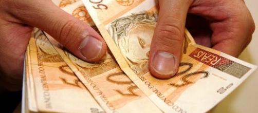 Brasileiro vai receber R$ 31,23 por dia pelo novo valor do mínimo. Foto: divulgação
