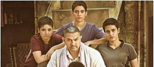 Dangal cast / Photo http://createdbyabhi.in/wp-content/uploads/2016/10/Dangal-800x445.png