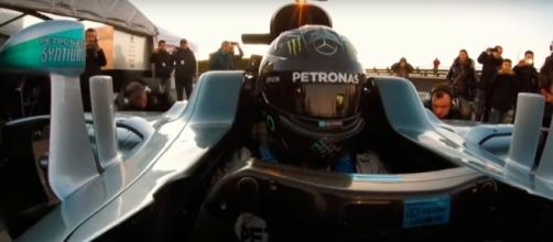 Nico Rosberg, a los mandos del Mercedes W07.