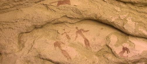 Un Belén de 5.000 años de antigüedad. El niño yace entre los padres, mientras dos animales rodean a la familia.