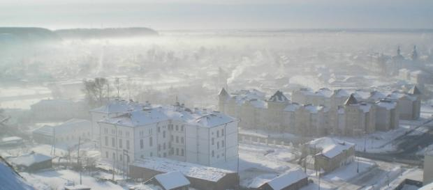 A frozen city under icy siege in W. Siberia. Photo: Alexander Lesnitsky/Pixabay.