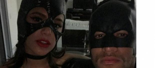 Bruna e Neymar posam juntos em foto