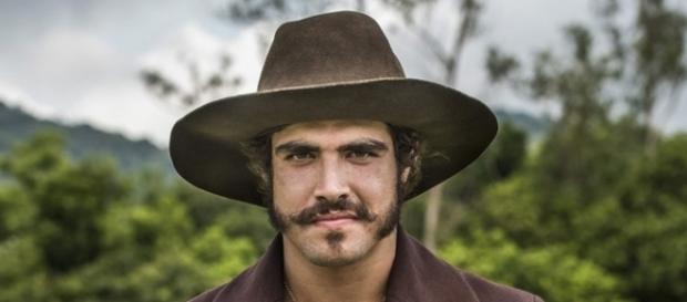 Caio Castro, já caracterizado como Dom Pedro, seu personagem em 'Novo Mundo' (Foto: Cesar Alves/TV Globo)