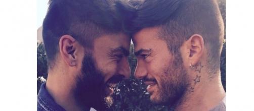 Claudio Sona e Mario Serpa all'Isola dei famosi? Arriva la smentita.