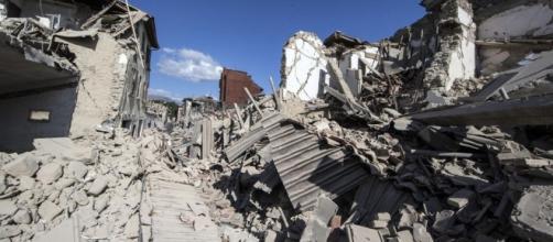 """Il geologo: """"Centro Italia si apre in due. I terremoti? Non sono ... - leggo.it"""