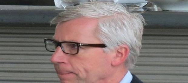 Alan Pardew (Credit: Brian Minkoff - wikimedia.org)