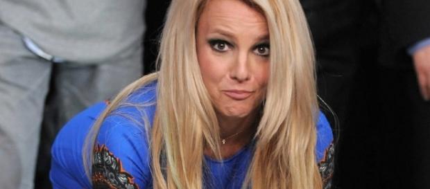 È morta Britney Spears, ma è una farsa: hackerato account Twitter di Sony.