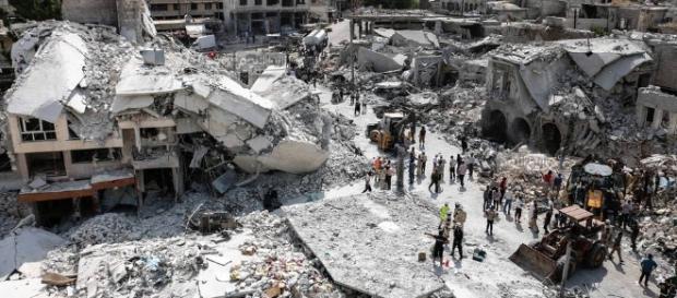 Segundo a Organização das Nações Unidas (ONU), mais de quatrocentos mil civis já morreram ao longo desses quase seis anos de conflito