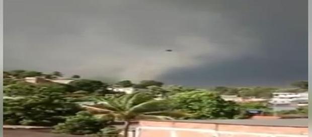 Tornado atingiu a cidade na tarde de quinta-feira, 22 (Grupo Tornados no Brasil)