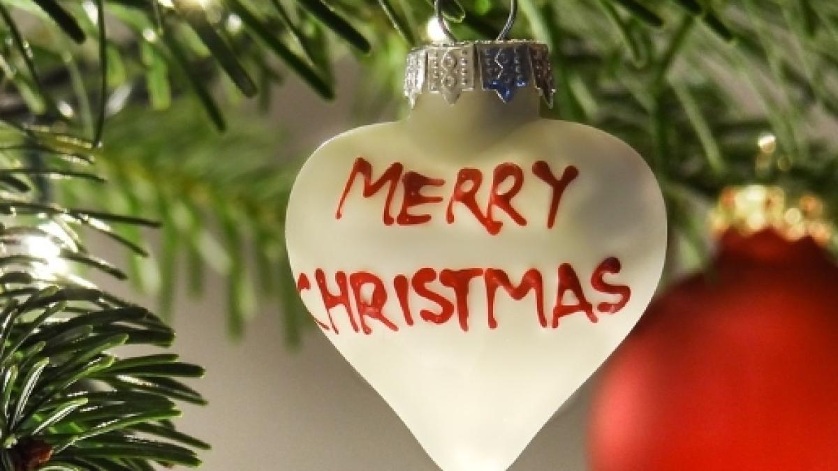 Come Fare Auguri Di Natale.Video Di Buon Natale 2016 Da Inoltrare A Parenti E Amici