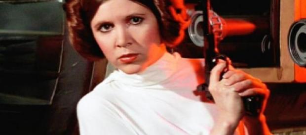 Atriz de Star Wars tem ataque do coração - Google