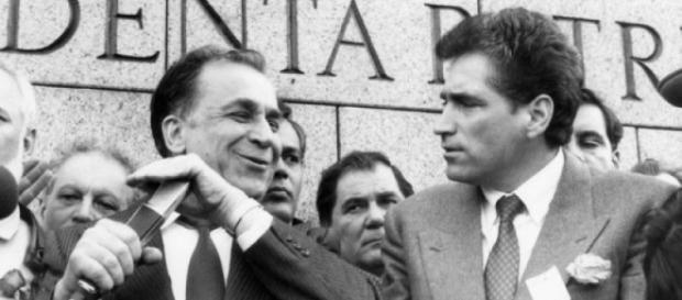 Ion Iliescu şi Petre Roman în 1990