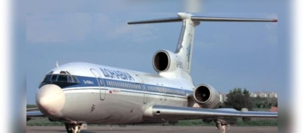 Avião russo cai no Mar Negro e dezenas de pessoas morrem