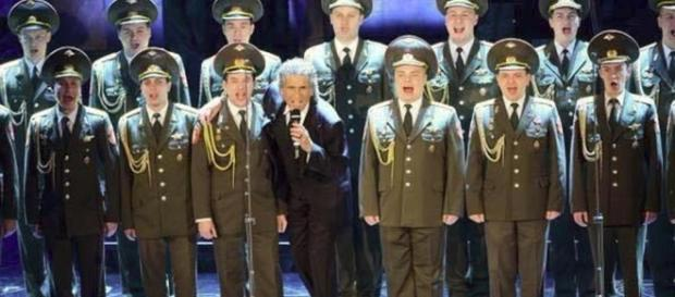 Toto Cutugno e il coro dell'Armata Rossa a SanRemo 2013