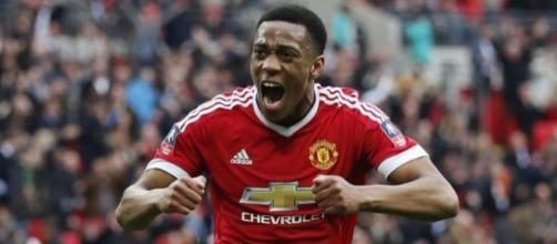 Anthony Martial scores injury-time winner to send Manchester ... - eurosport.com