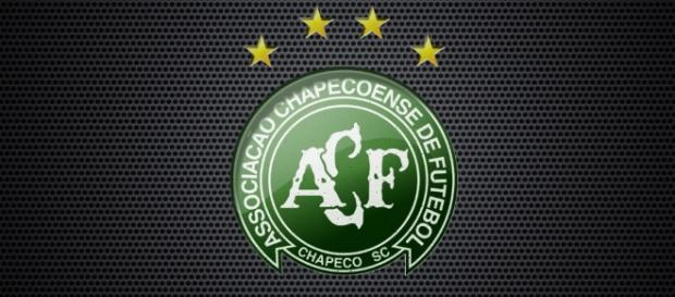 Investigações sobre o motivo da queda do avião da Chapecoense continuam