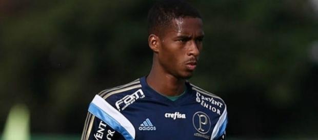 Matheus Sales, volante do Palmeiras